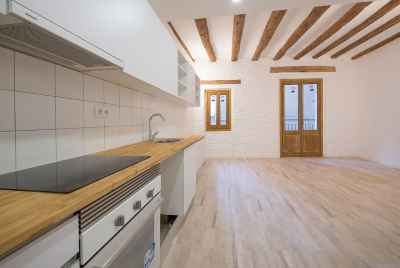 Renovated apartment close to Plaza Catalunya in the center of Barcelona